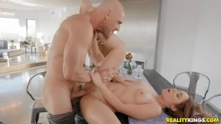 Johnny Sins fucked Kayla Paris secretly from her dad
