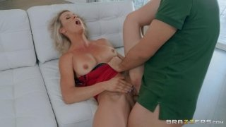 Keiran Lee fucked blonde mother of his GF